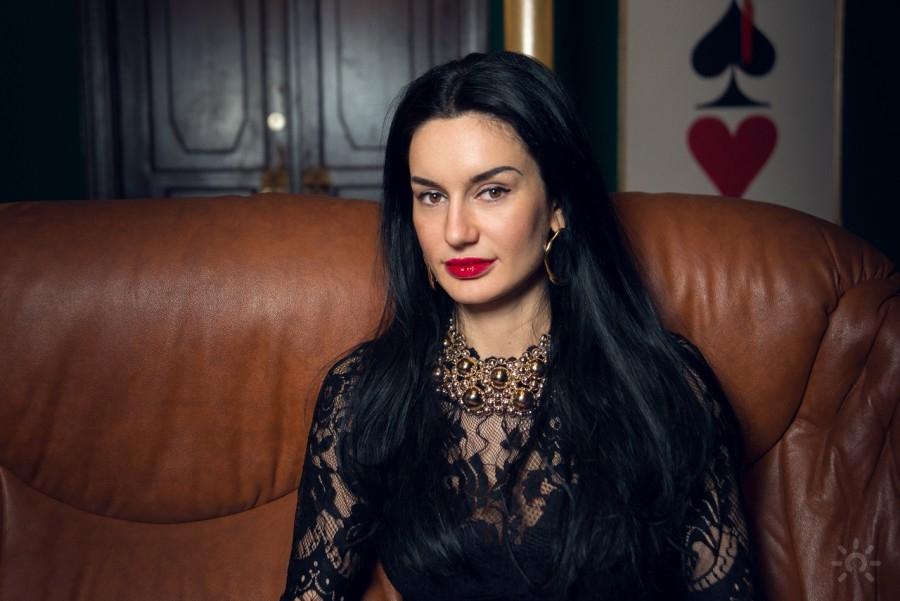 Валерия Карат, гадалка, колдунья